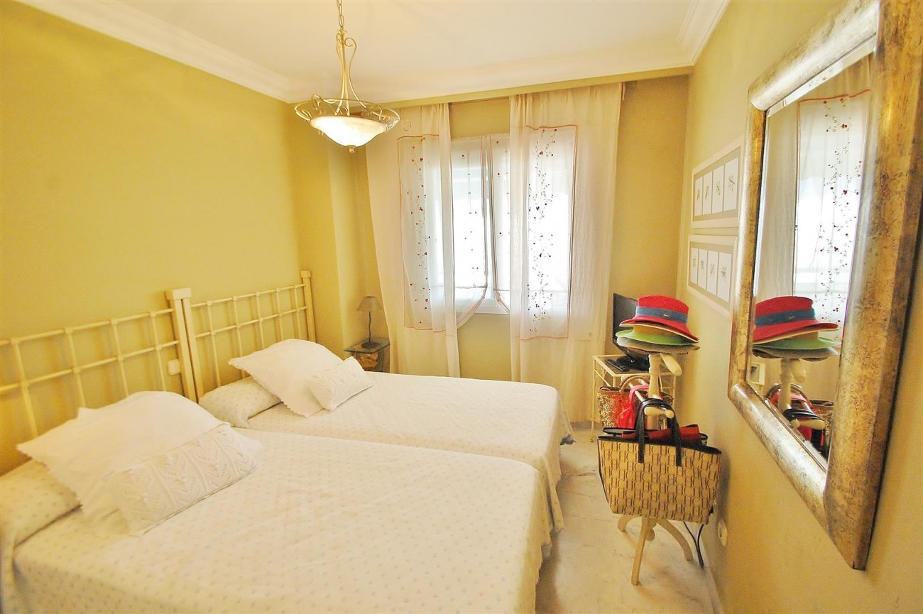 A5649 Apartment for sale Puerto Banus Marbella Spain (8) (Large)