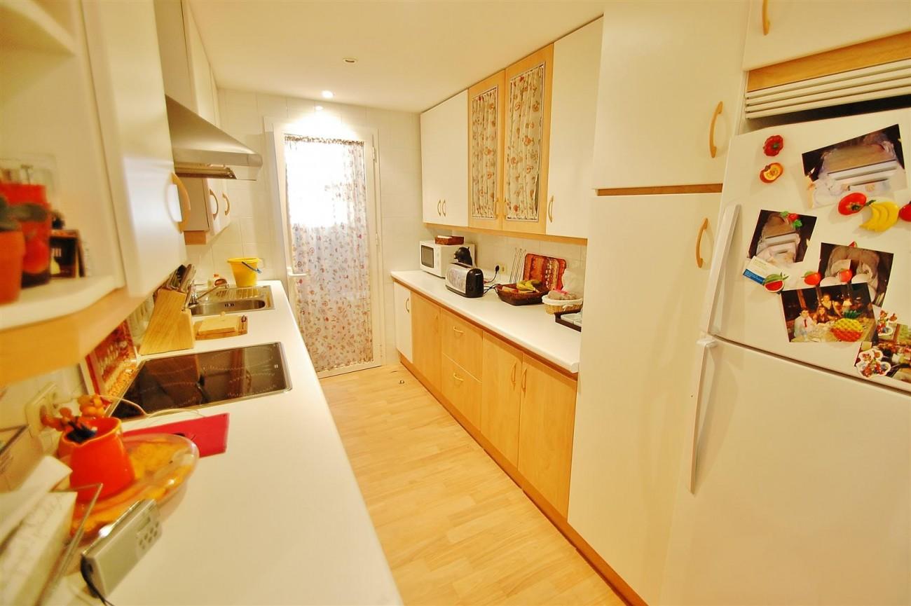 A5649 Apartment for sale Puerto Banus Marbella Spain (14) (Large)