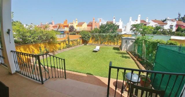 Townhouse for Sale - 440.000€ - Nueva Andalucía, Costa del Sol - Ref: 5650