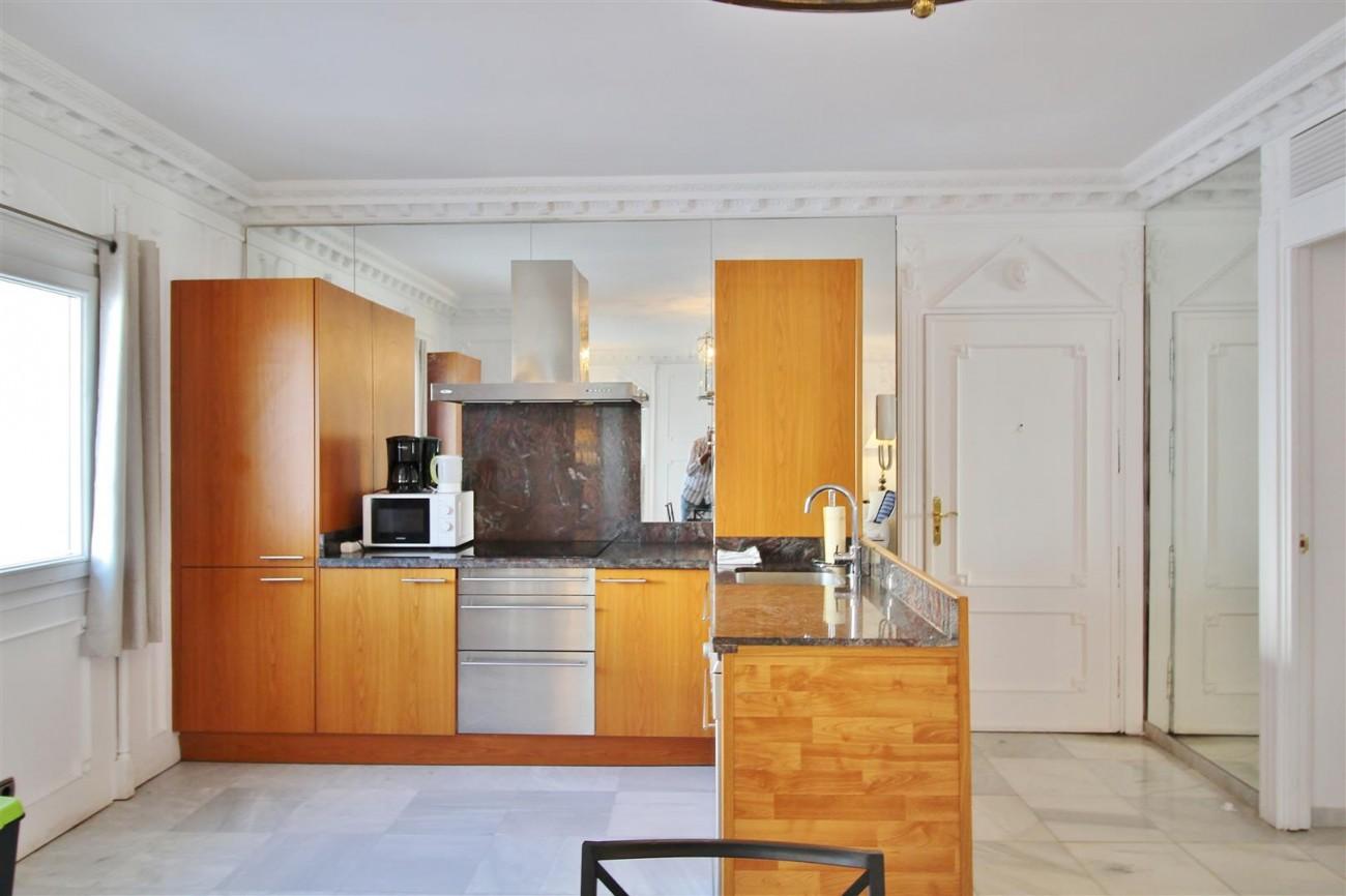 Puerto Banus Apartment for sale Marbella Spain (3) (Large)