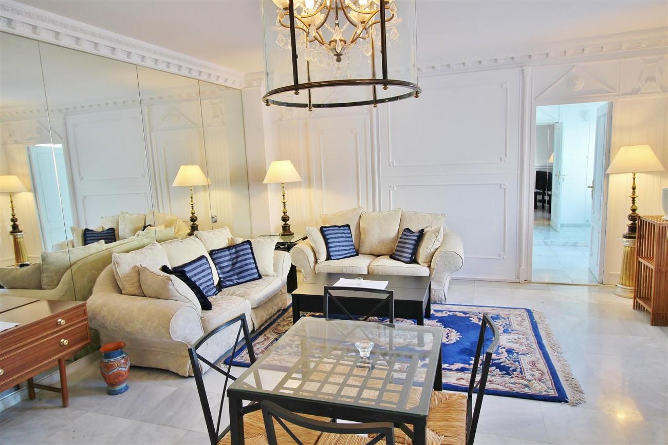 Puerto Banus Apartment for sale Marbella Spain (5) (Large)