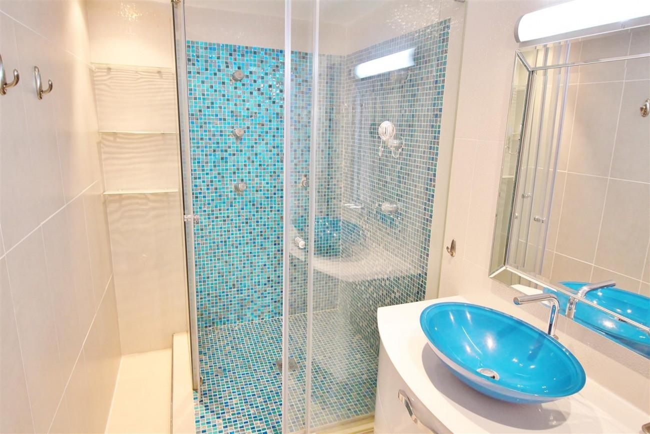 Puerto Banus Apartment for sale Marbella Spain (8) (Large)