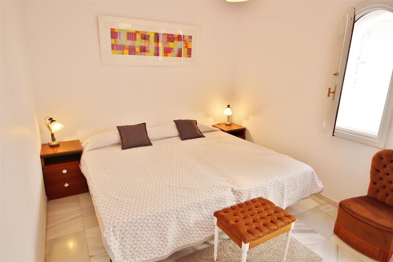 Puerto Banus Apartment for sale Marbella Spain (11) (Large)