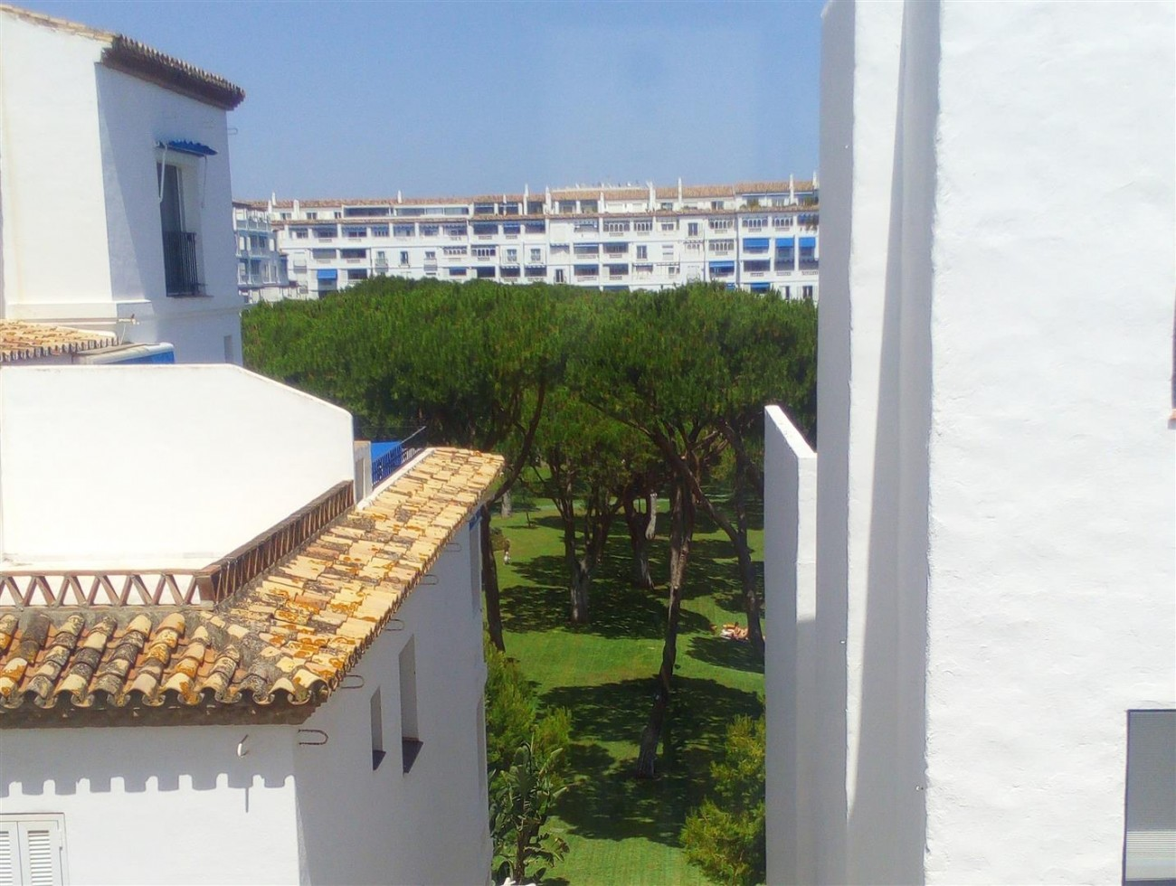 Apartment for sale Puerto Banus Marbella Spain (10) (Large)