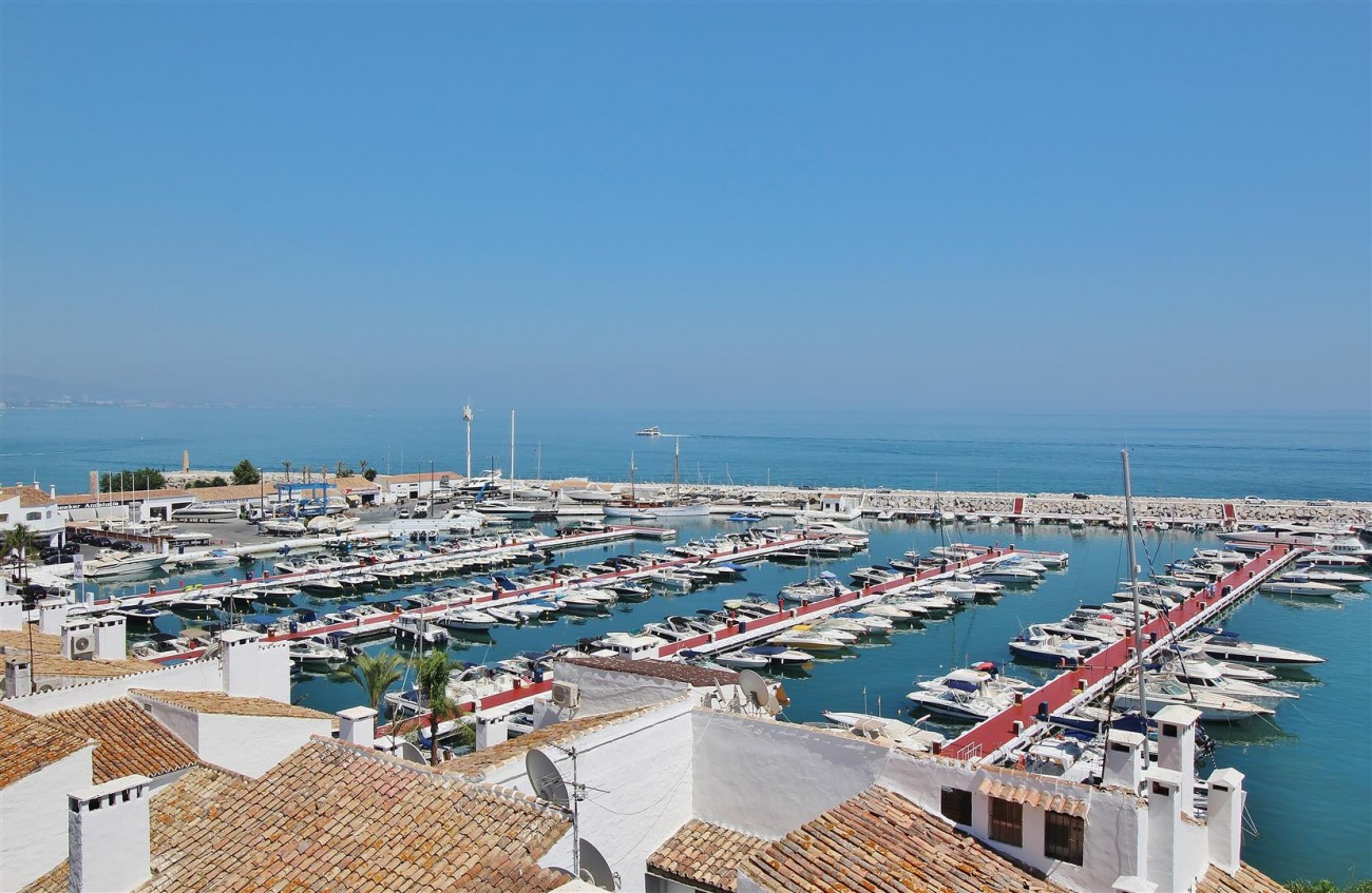 Apartment for rent Puerto Banus Marbella Spain (1) (Large)
