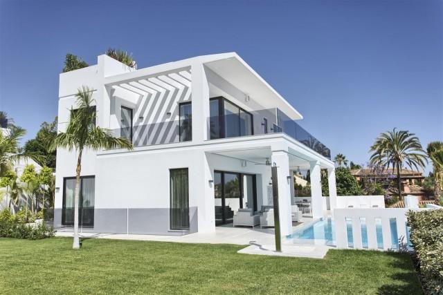 Villa for Sale - 3.995.000€ - Golden Mile, Costa del Sol - Ref: 5661