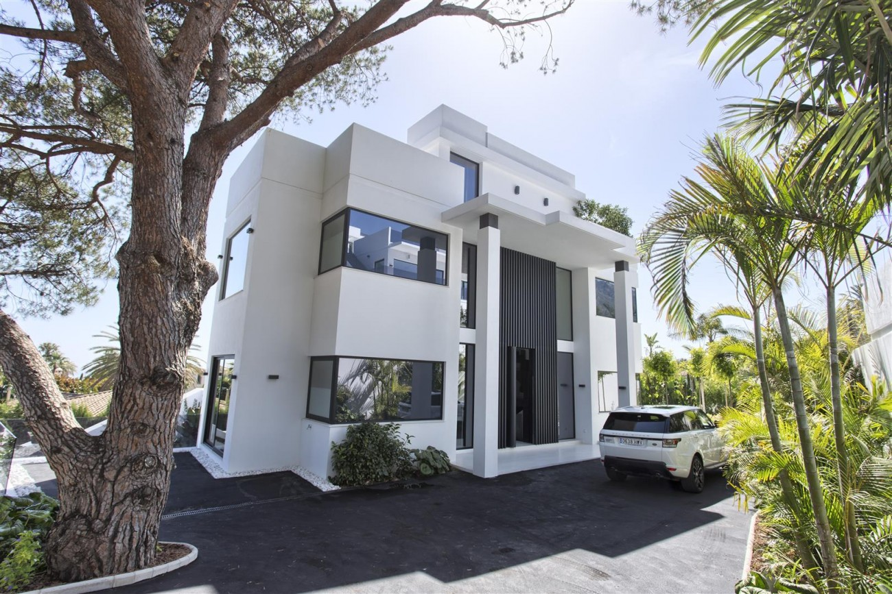 New Contemporary Exclusive Villa for sale Marbella Golden Mile Spain (26) (Large)
