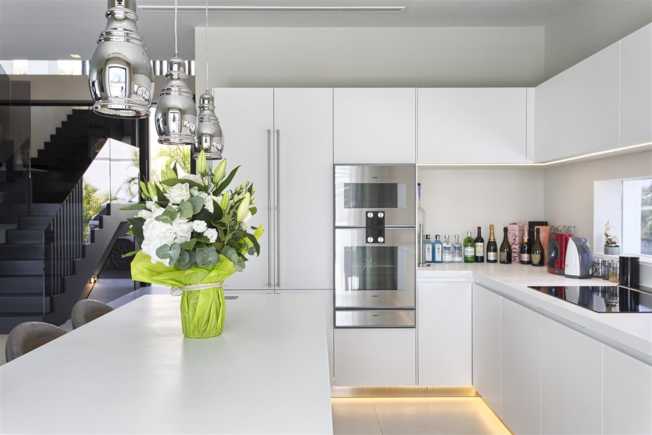 New Contemporary Exclusive Villa for sale Marbella Golden Mile Spain (34) (Large)