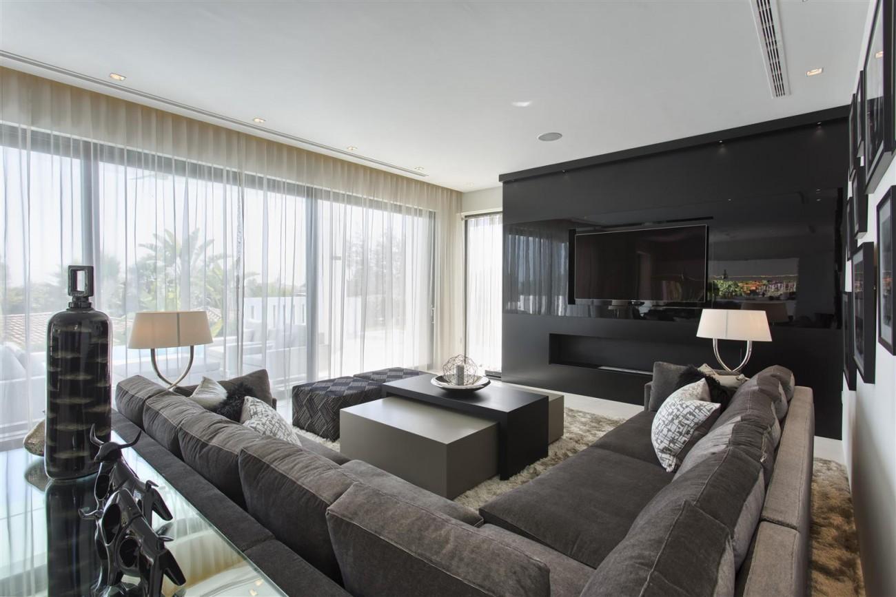 New Contemporary Exclusive Villa for sale Marbella Golden Mile Spain (43) (Large)