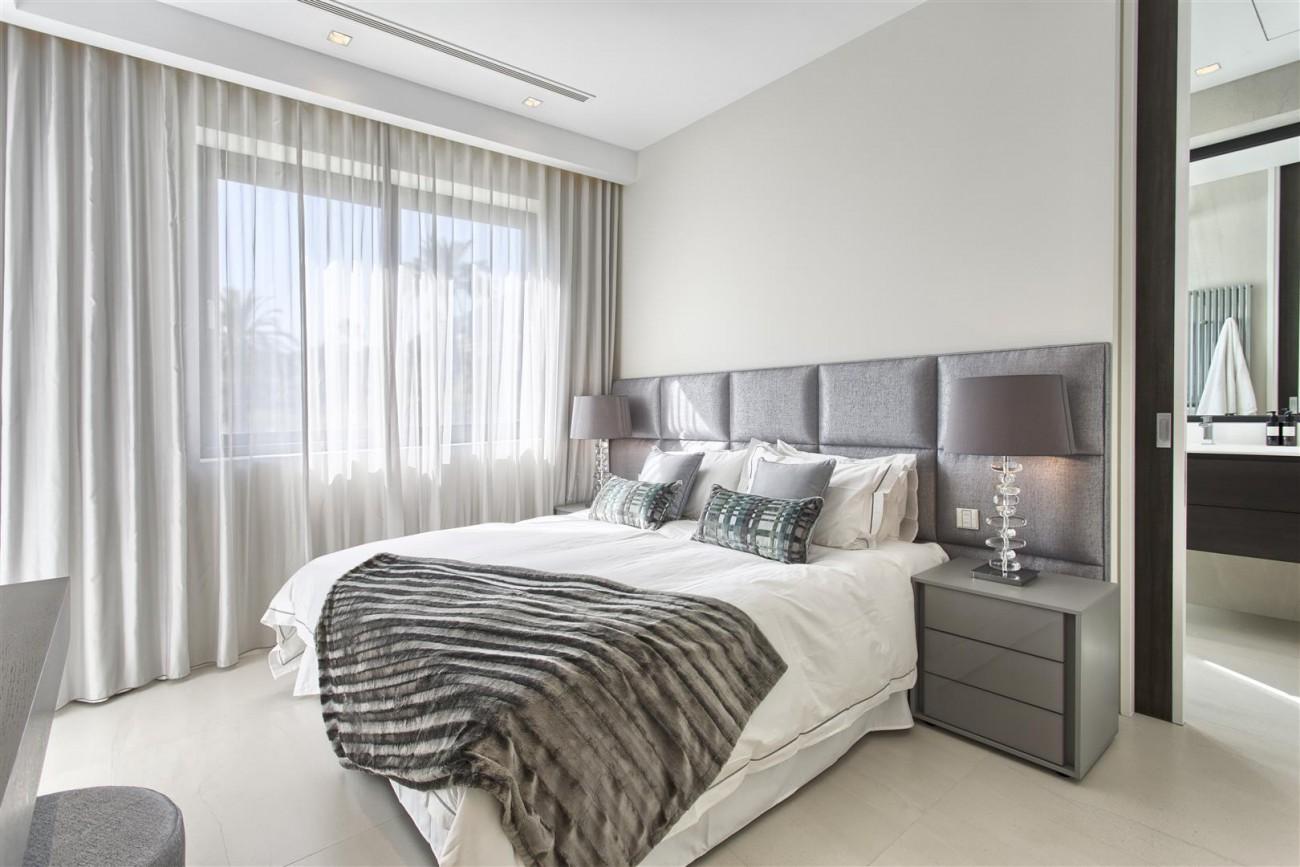New Contemporary Exclusive Villa for sale Marbella Golden Mile Spain (52) (Large)