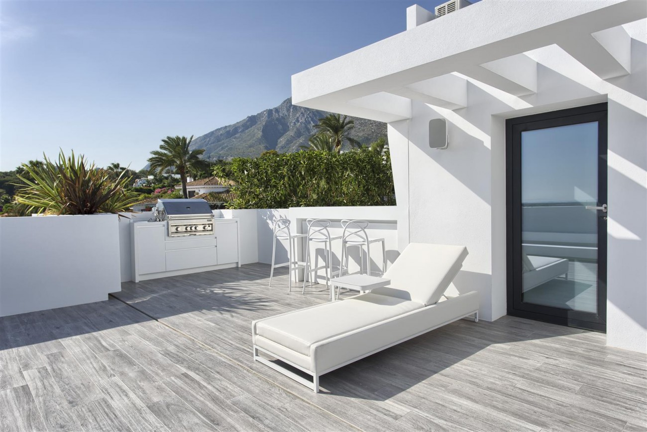 New Contemporary Exclusive Villa for sale Marbella Golden Mile Spain (82) (Large)