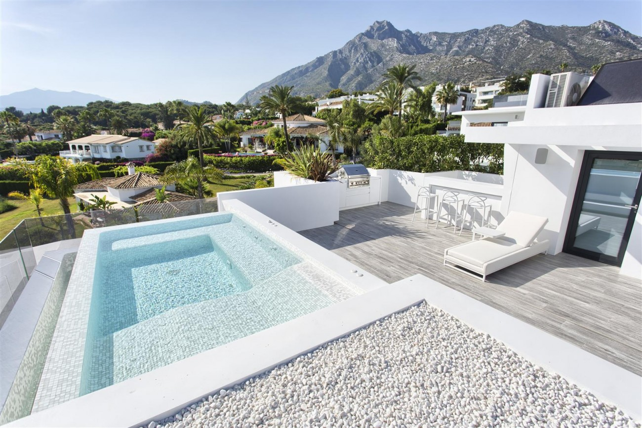 New Contemporary Exclusive Villa for sale Marbella Golden Mile Spain (86) (Large)