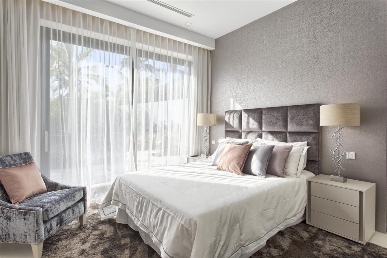 New Contemporary Exclusive Villa for sale Marbella Golden Mile Spain (88) (Large)