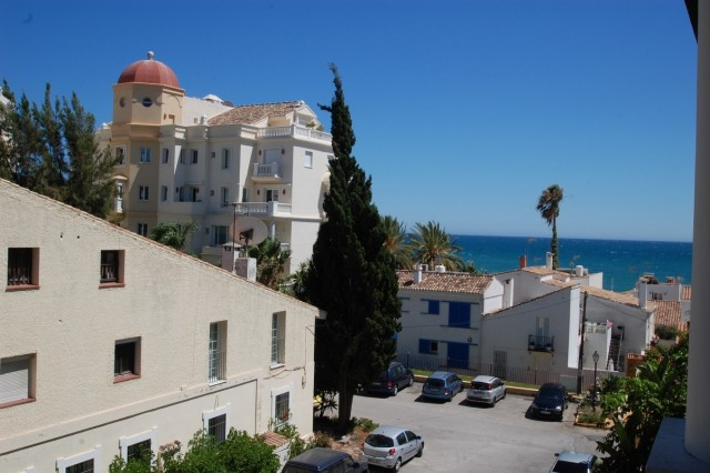 Apartment for Sale - 350.000€ - New Golden Mile, Costa del Sol - Ref: 5663