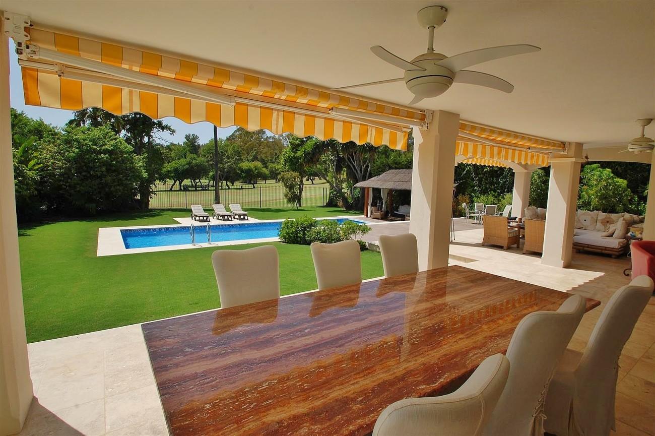 V5664 Frontline Golf Villa for sale Nueva Andalucia Marbella Spain (11)