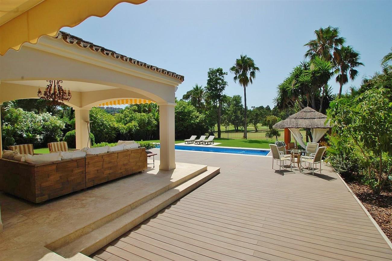 V5664 Frontline Golf Villa for sale Nueva Andalucia Marbella Spain (13)