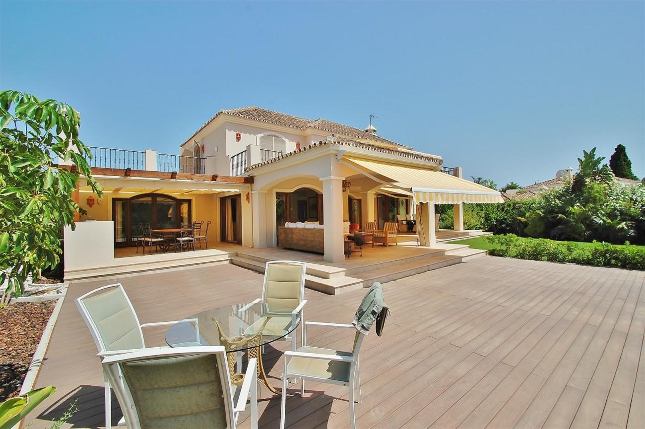 V5664 Frontline Golf Villa for sale Nueva Andalucia Marbella Spain (27)