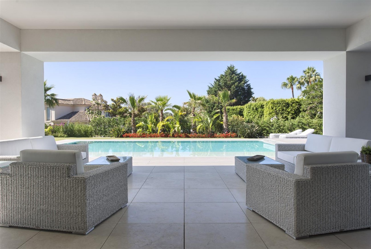 Luxury Contemporary villa for sale Close to Puerto Banus (38) (Large)