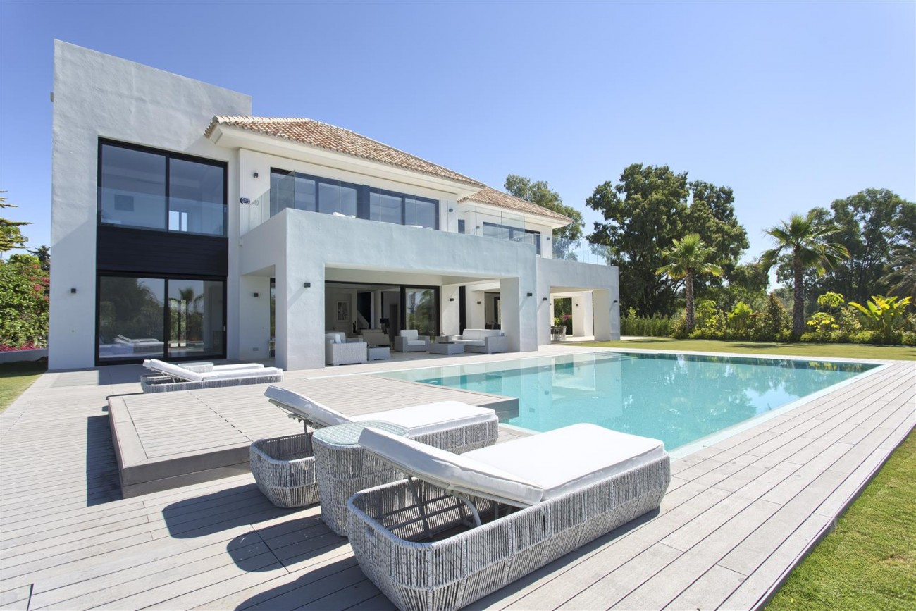 Luxury Contemporary villa for sale Close to Puerto Banus (40) (Large)