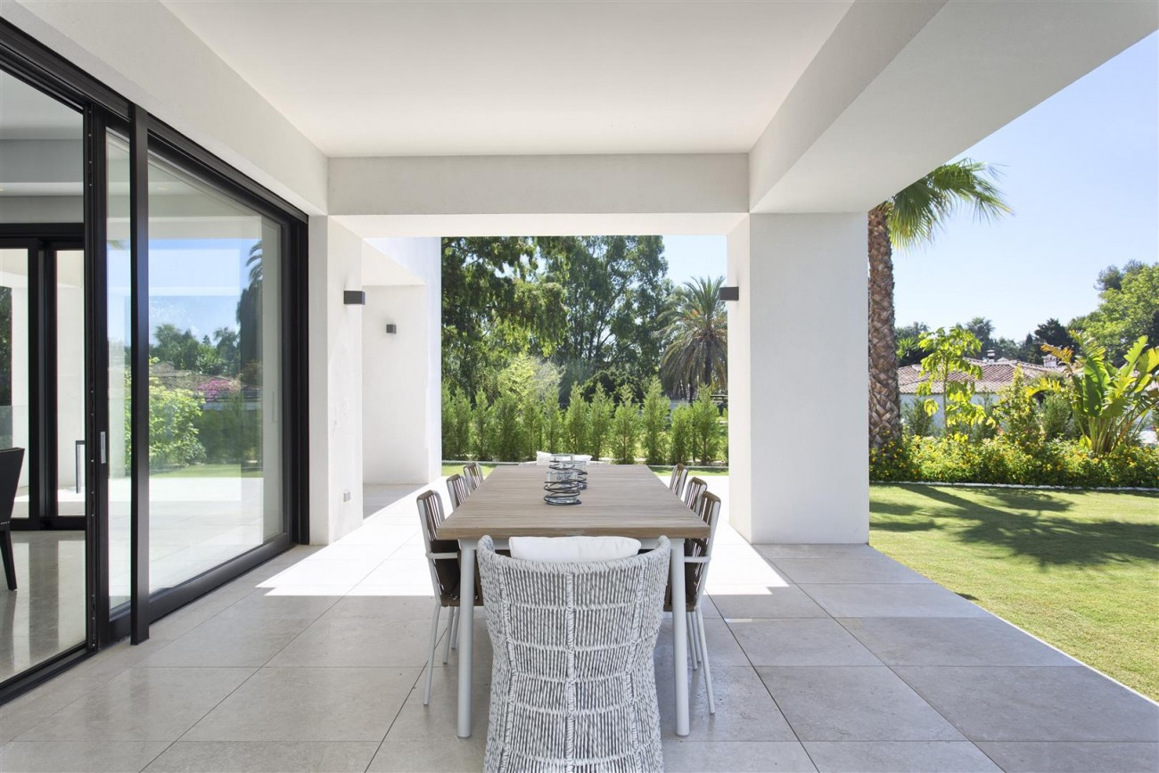Luxury Contemporary villa for sale Close to Puerto Banus (36) (Large)