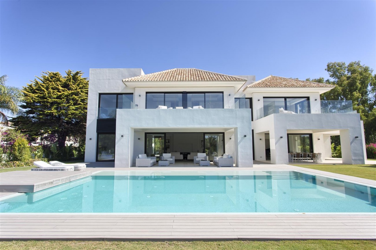 Luxury Contemporary villa for sale Close to Puerto Banus (41) (Large)