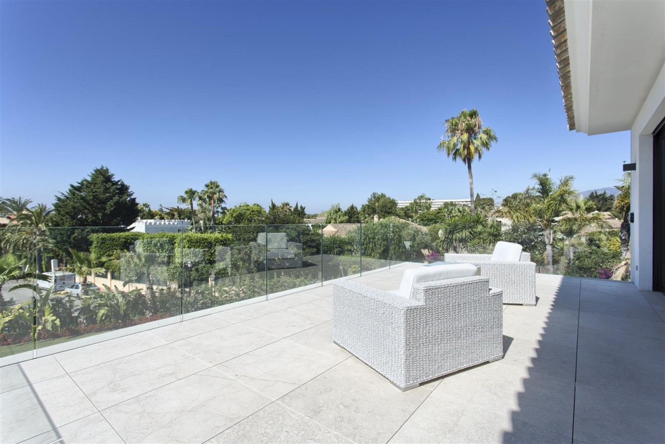 Luxury Contemporary villa for sale Close to Puerto Banus (21) (Large)