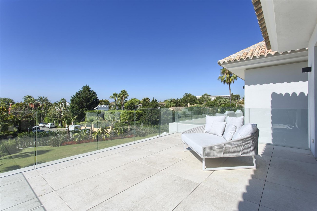 Luxury Contemporary villa for sale Close to Puerto Banus (33) (Large)