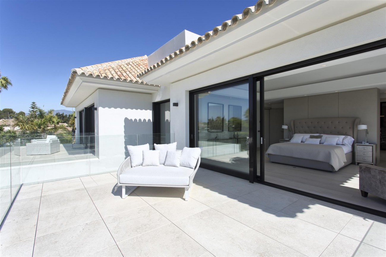 Luxury Contemporary villa for sale Close to Puerto Banus (34) (Large)