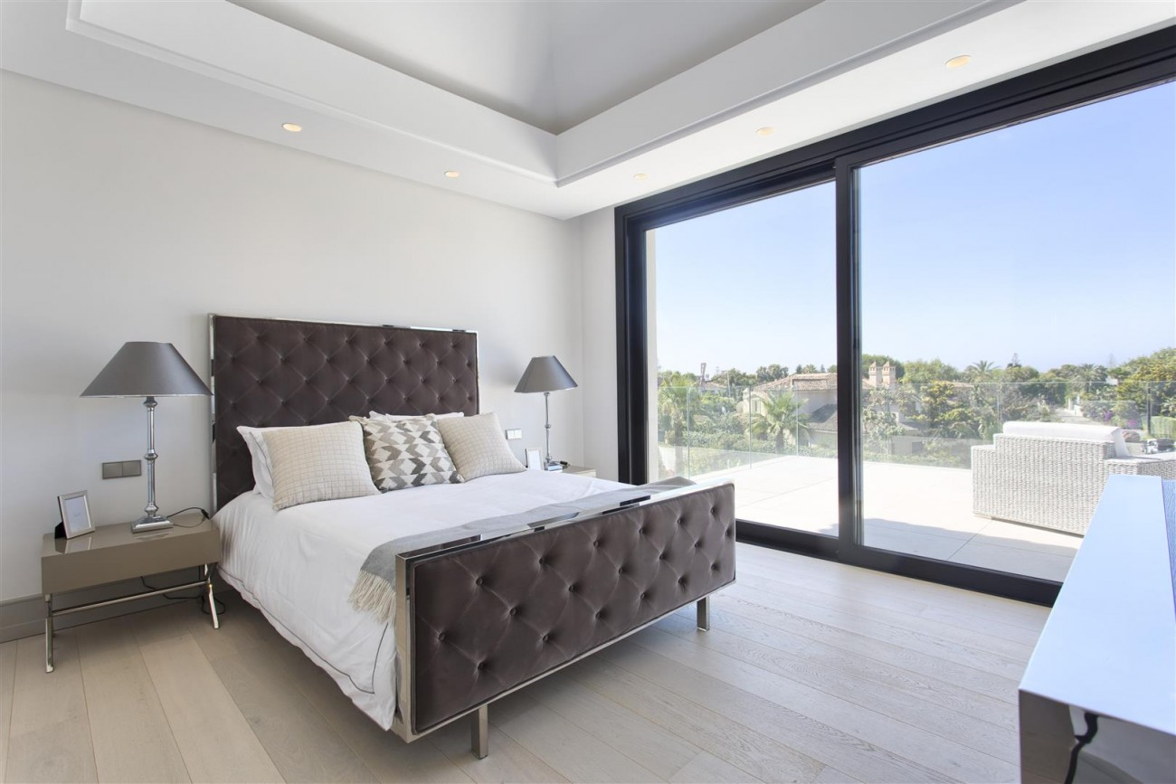Luxury Contemporary villa for sale Close to Puerto Banus (23) (Large)