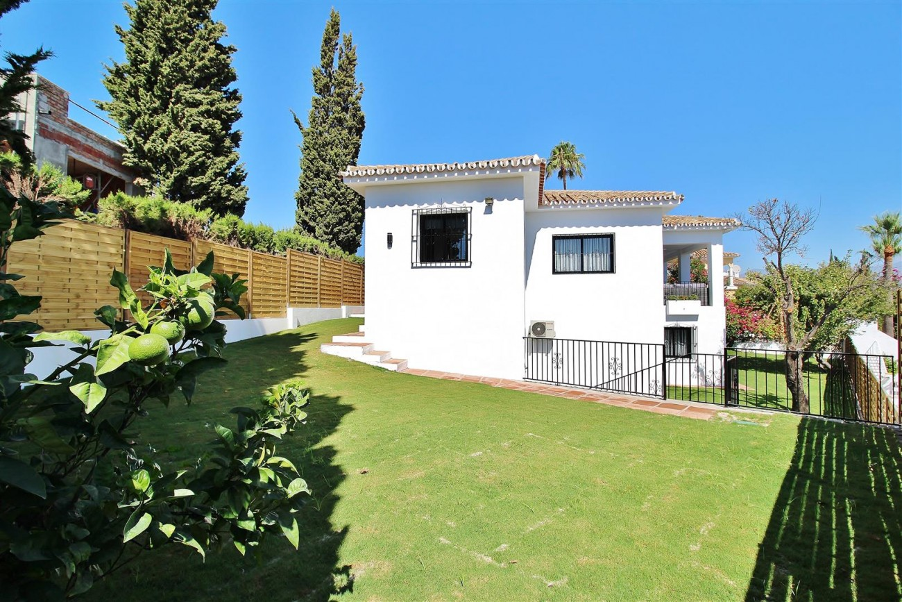 V5668 Villa for sale Nueva Andalucia Marbella Spain (2)