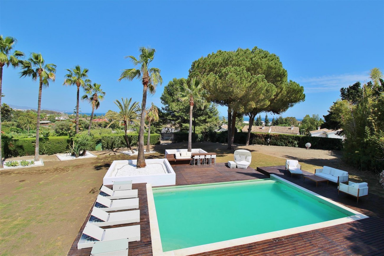 V5669 Modern Villa for Sale Golden Mile Marbella Spain (14)