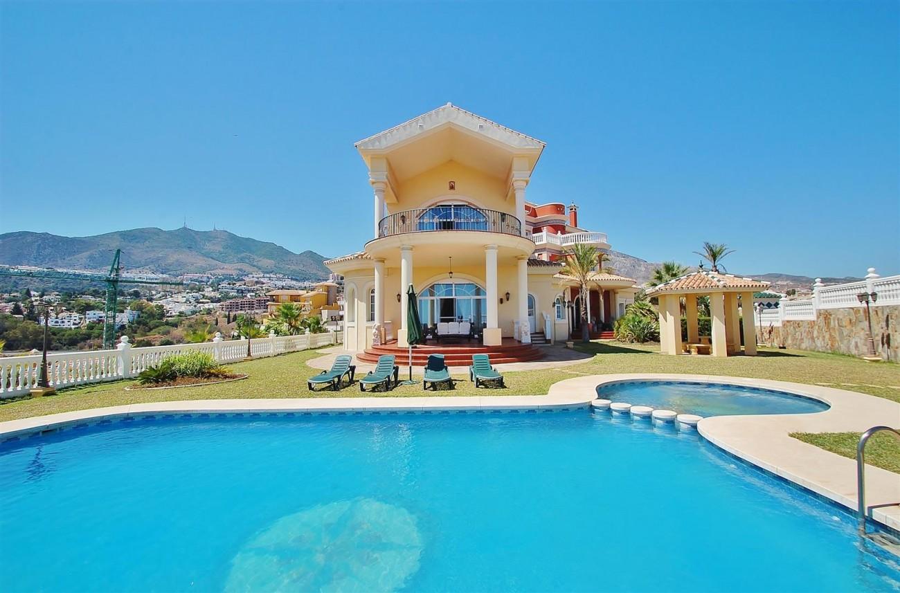 V5670 Villa for sale in Benalmadena Malaga Spain (1)