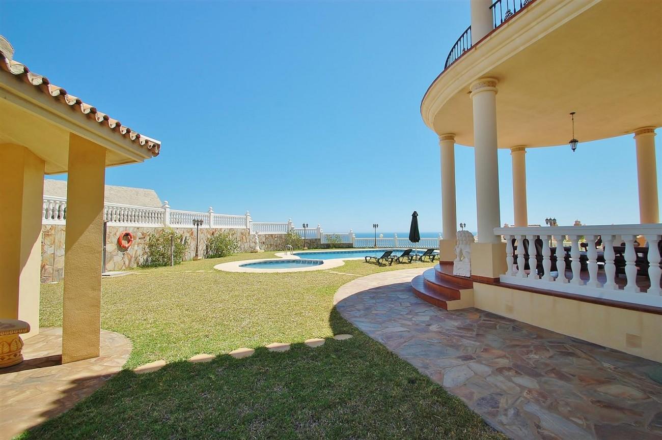 V5670 Villa for sale in Benalmadena Malaga Spain (2)