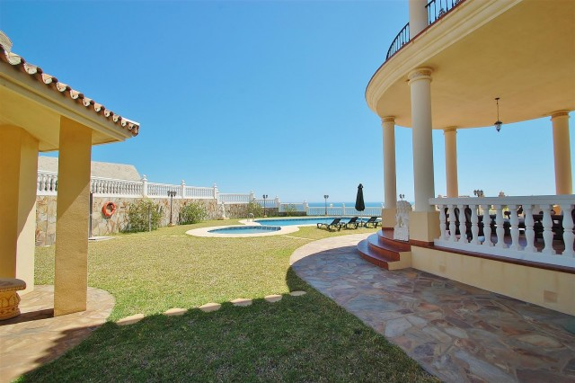 V5670 Villa for sale in Benalmadena Malaga Spain (2)