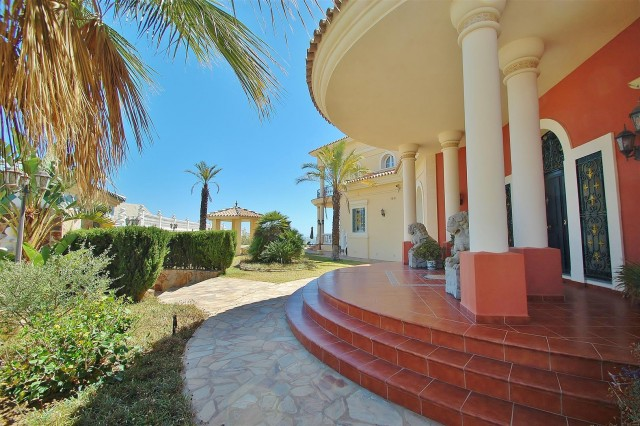 V5670 Villa for sale in Benalmadena Malaga Spain (3)