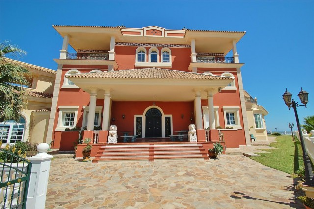V5670 Villa for sale in Benalmadena Malaga Spain (4)
