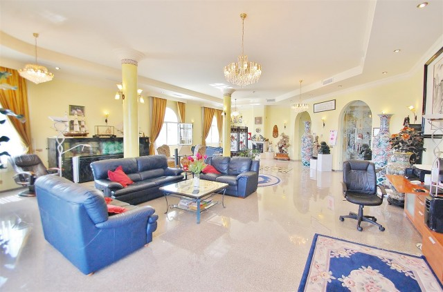 V5670 Villa for sale in Benalmadena Malaga Spain (6)