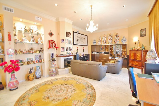V5670 Villa for sale in Benalmadena Malaga Spain (7)