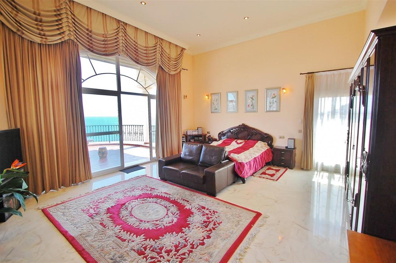 V5670 Villa for sale in Benalmadena Malaga Spain (12)