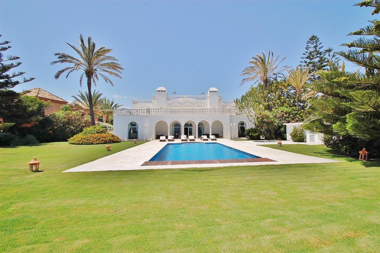 Frontline Beach Villa in Marbella West (2)
