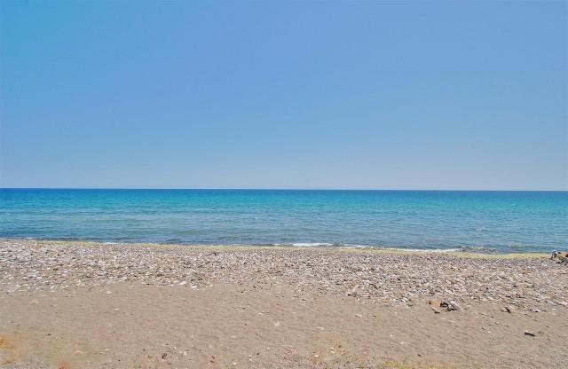 Frontline Beach Villa in Marbella West (3)