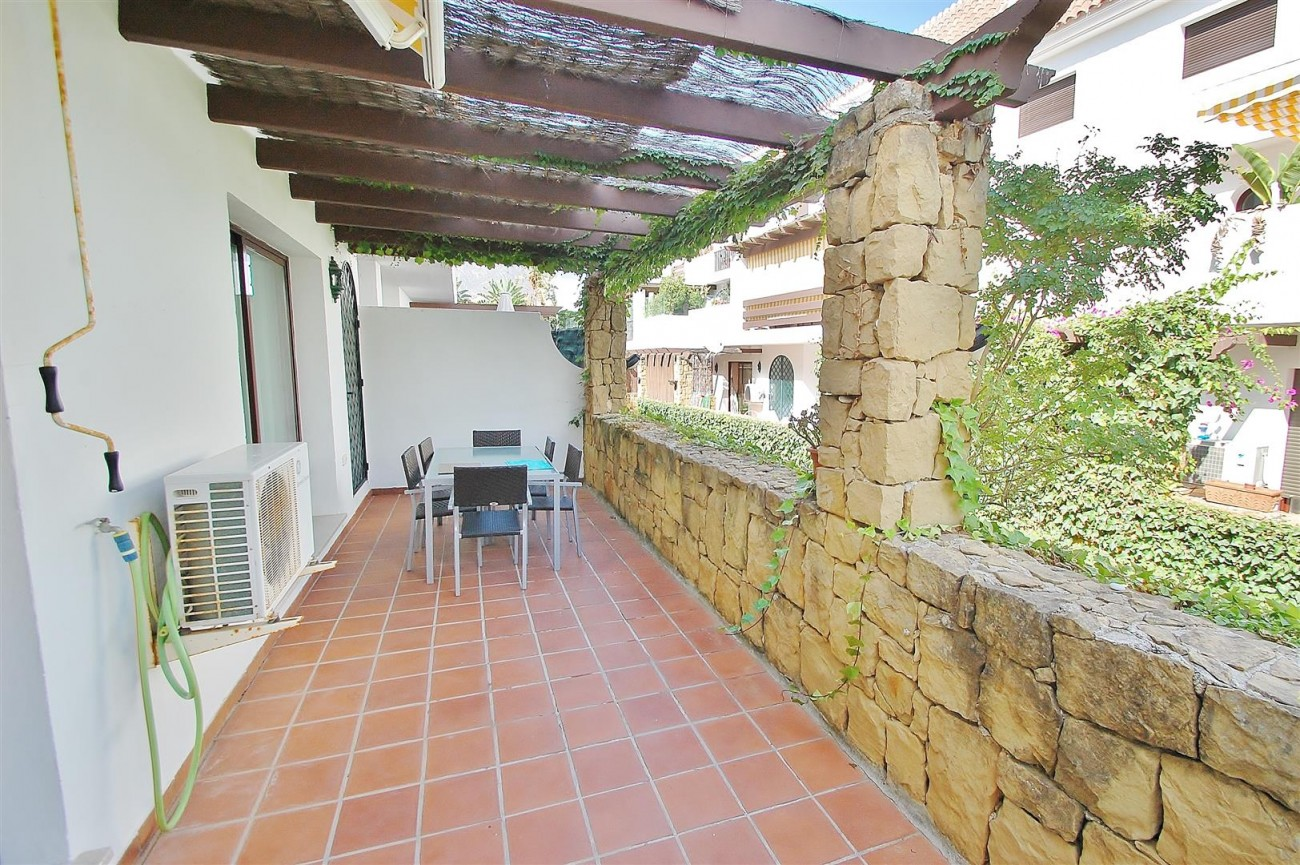 A5675 Apartment for sale on the Marbella Golden Mile Spain (6) (Large)
