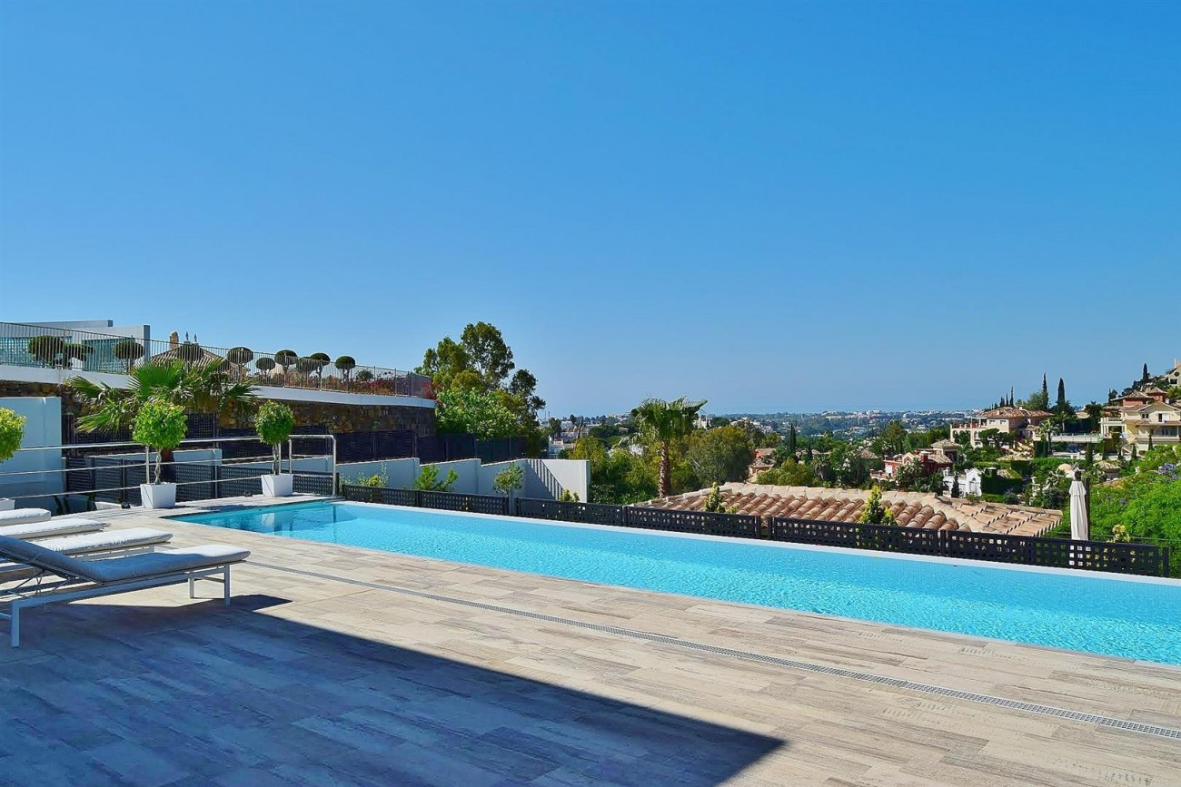 V5683 Modern Villa for sale La Quinta Golf Benahavis (14) (Large)