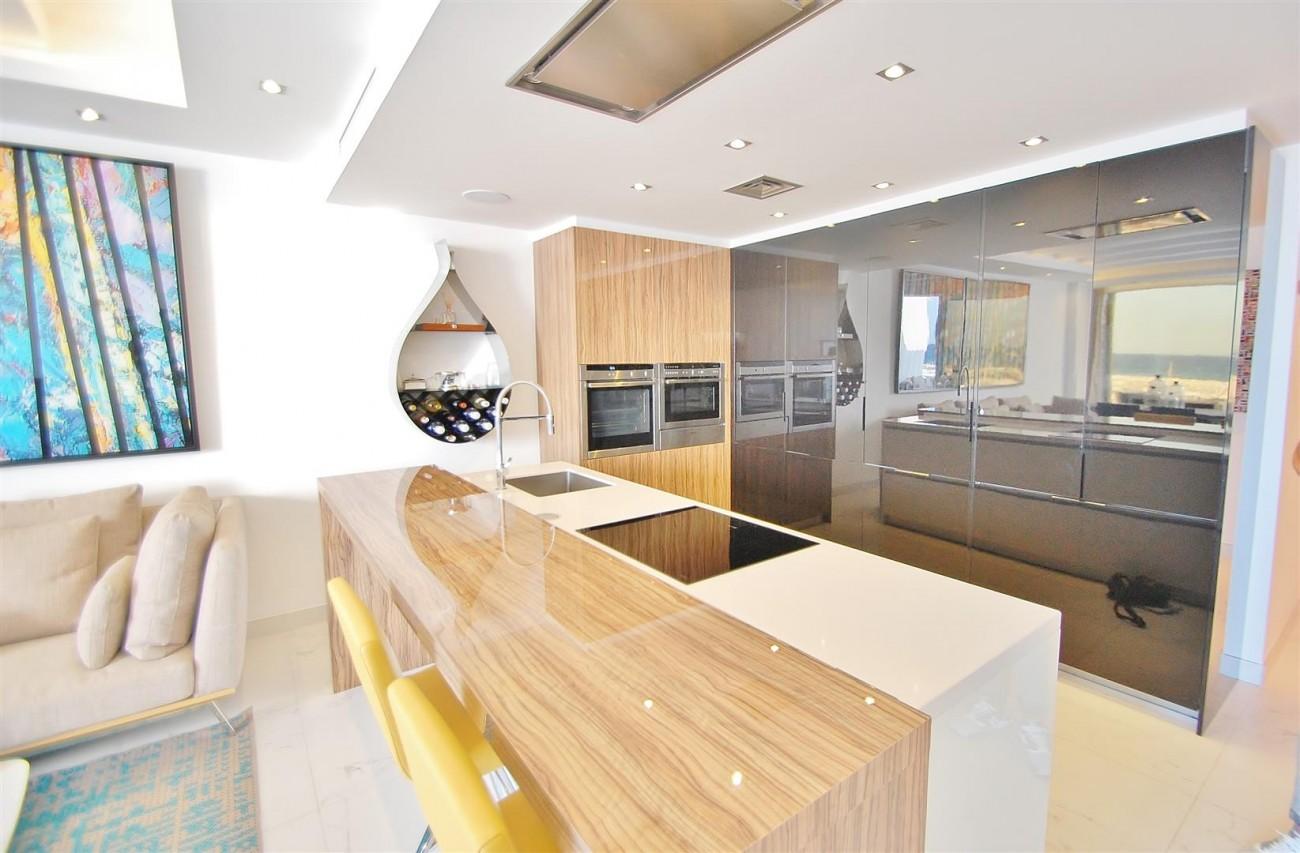 A5686 Frontline Puerto Banus Apartment for sale Marbella Spain (4)