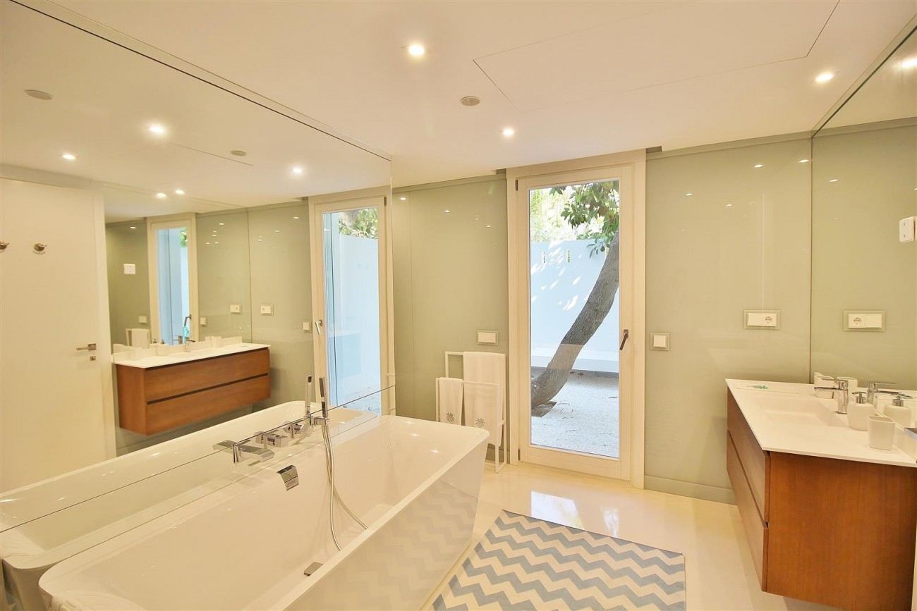 Modern Villa Guadalmina for sale Marbella Spain (9) (Large)