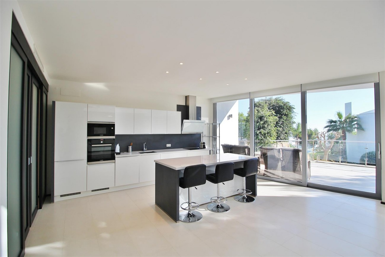 Luxury Contemporary Townhouse for sale Marbella Golden Mile Spain (2) (Large)