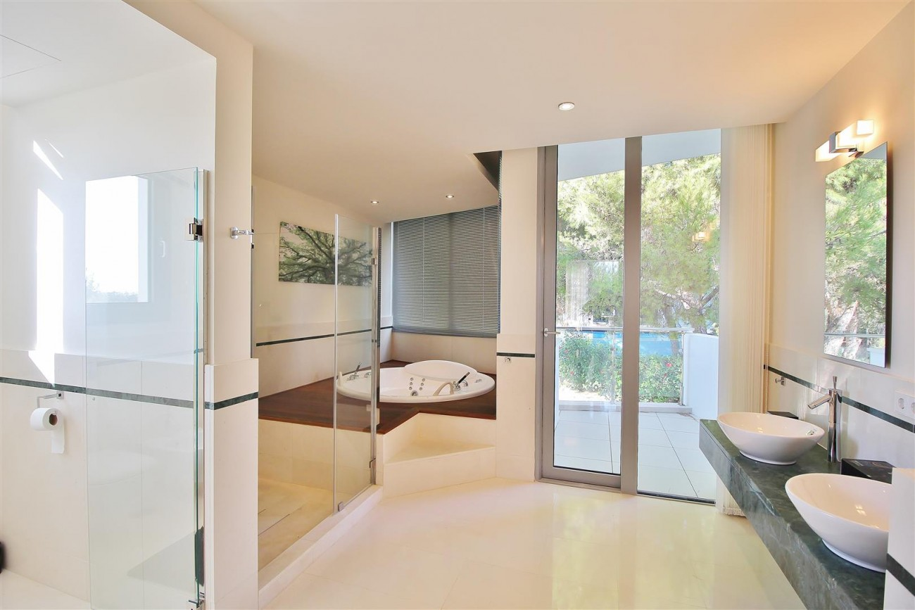 Luxury Contemporary Townhouse for sale Marbella Golden Mile Spain (8) (Large)