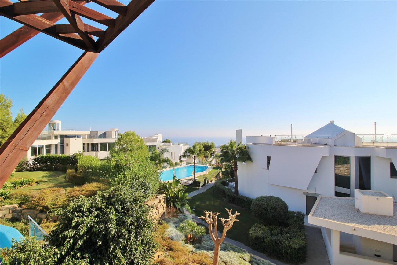 Luxury Contemporary Townhouse for sale Marbella Golden Mile Spain (10) (Large)