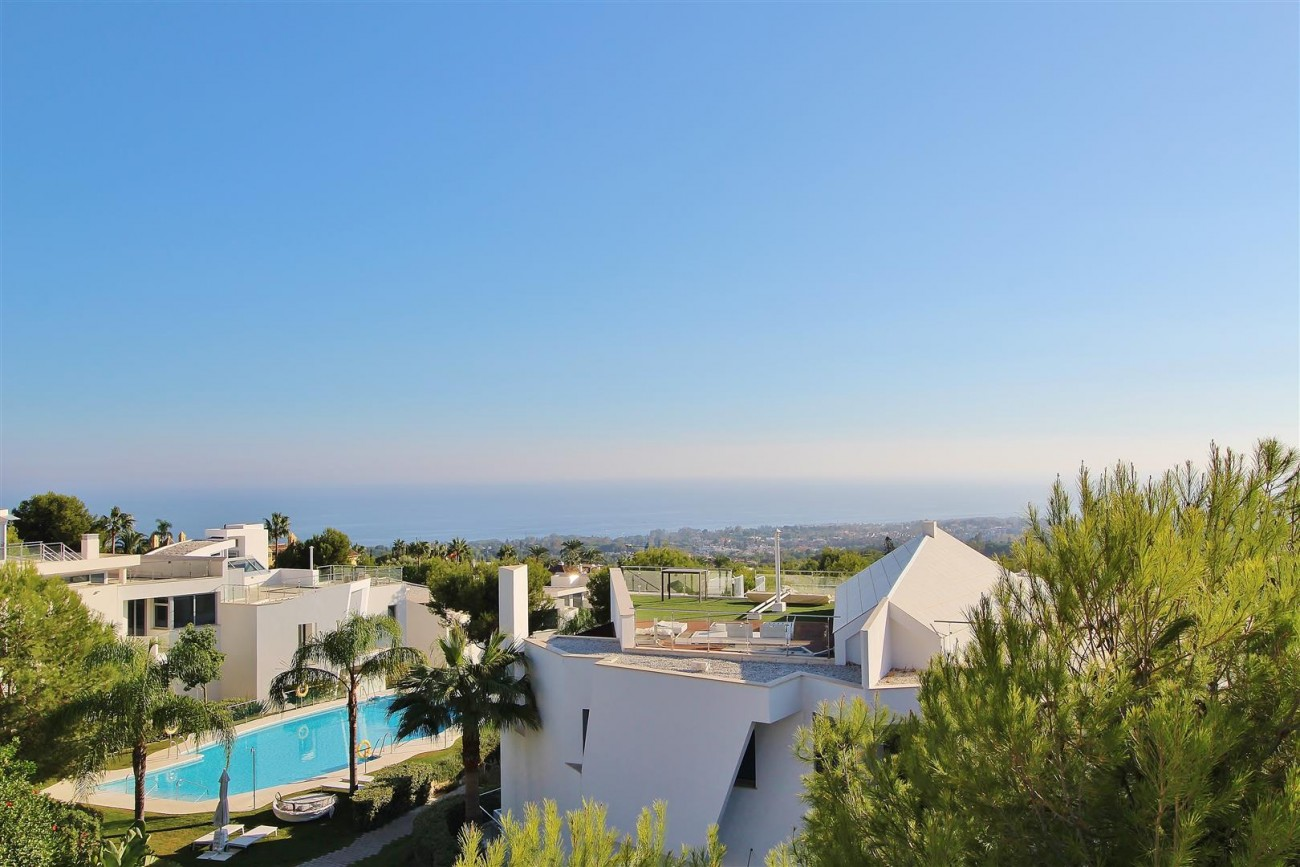 Luxury Contemporary Townhouse for sale Marbella Golden Mile Spain (14) (Large)