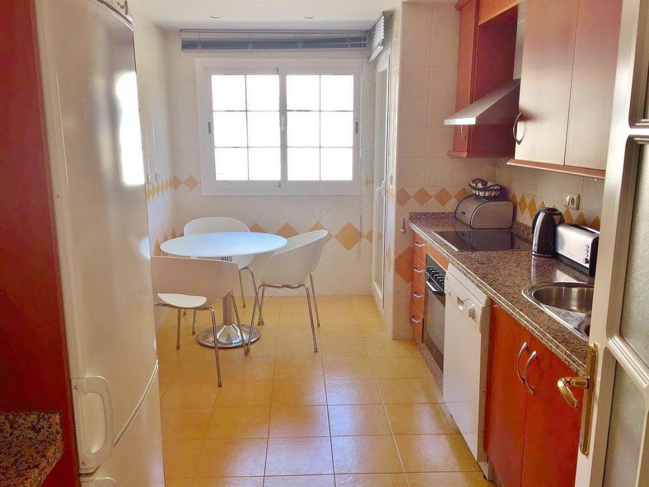 3 Bedrooms apartment for rent East Marbella (2) (Large)
